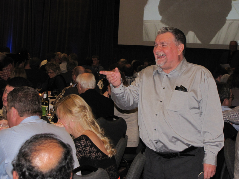 3-bob-brander-at-the-auction
